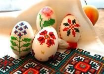 EMBROIDERED_EGGS_BY_I_FOROSTYUK